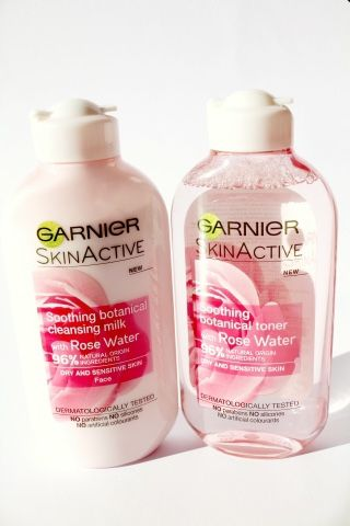 Beauty Shout Box: GARNIER SKIN ACTIVE SOOTHING BOTANICALS WITH ROSE WATER CLEANSING MILK AND TONER {REVIEW}