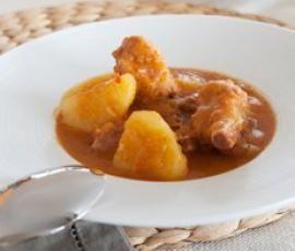Patatas guisadas con costillas de cerdo adobadas | Recetario Thermomix® - Vorwerk España