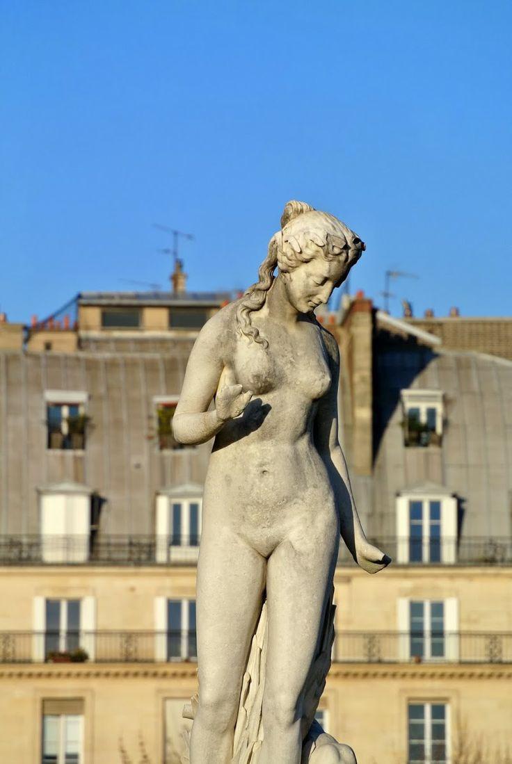 Zoom sur les sculptures du jardin des Tuileries et du Carrousel ♦ Paris