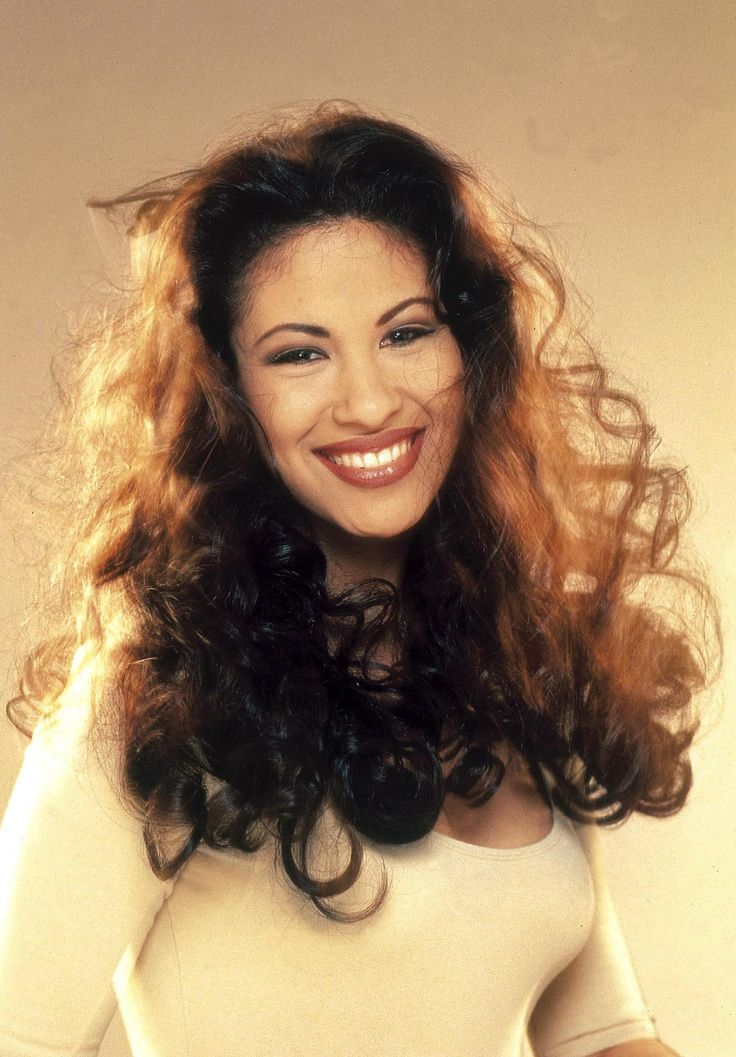 an introduction to the life of selena quintanilla perez a female tejano singer