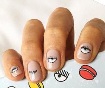 Chiara Ferragni's nail art... Stunning!!!