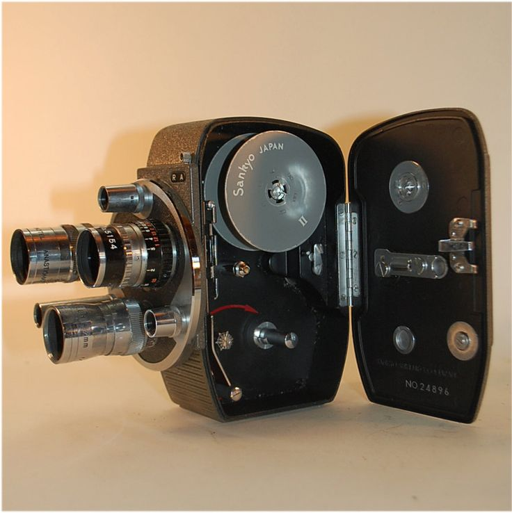 Vintage 8mm film movie camera Sankyo Seiki Mfg,. STUNNING!