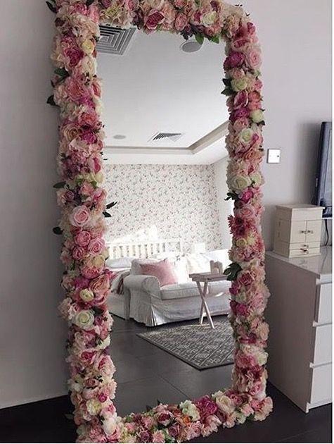 Spiegel verziert mit Imitat-Blumen , , DIY Ku –