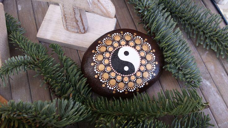 Handpainted stone mandala jin-jang dotts dottilism brown and gold