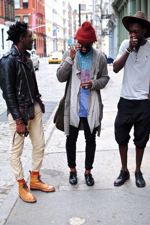 2014-12-09のファッションスナップ。着用アイテム・キーワードはカントリーブーツ, カーディガン, ダブルライダースジャケット, チノパン, デニム・ダンガリーシャツ, ドレスシューズ, ニットキャップ, ハット, ハーフパンツ, ブレスレット, ブーツ, ライダースジャケット, 黒パンツ, Tシャツ,etc. 理想の着こなし・コーディネートがきっとここに。| No:70969