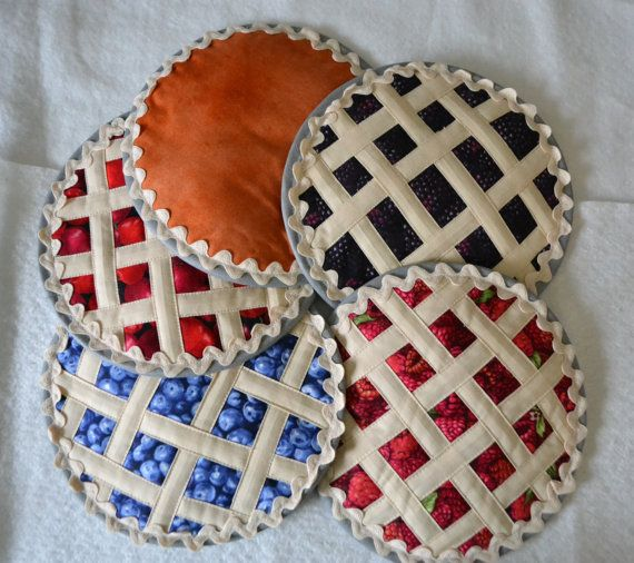 Fruit Pie Hot Pad-hotpads/ pot holders quilted by AnnasEcke