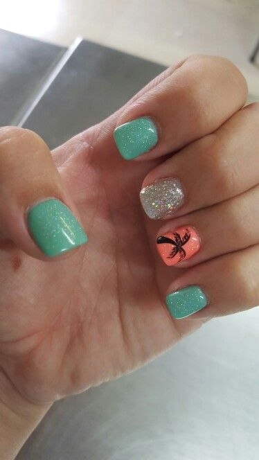Beachy nails