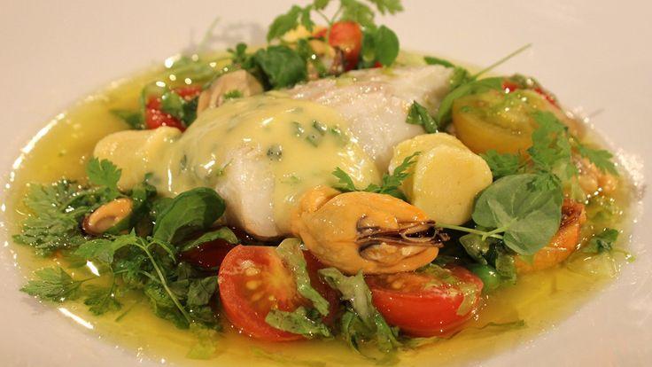 Torsk- og blåskjellsuppe med tomater og hjemmelaget potetpasta