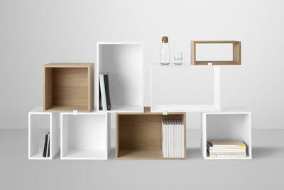 Scopri Scaffale Stacked -modulo piccolo rettangolare, L 43,6 cm x l 21,8 cm - Frassino di Muuto, Made In Design Italia