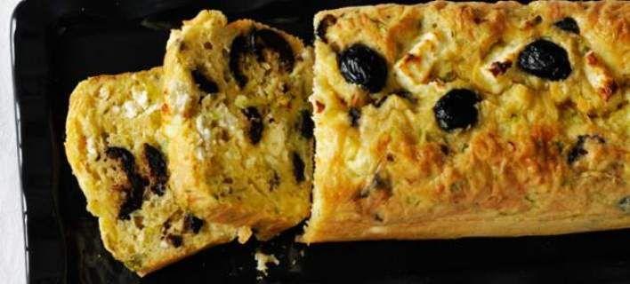 Αλμυρό κέικ με κολοκυθάκι και φέτα