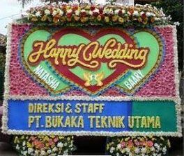 Sebuah ucapan yang tentu semua orang ingin melakukannya untuk bisa di berikan kepada rekan keluarga,teman,sahabat dalam suatu sebuah acara sakral pernikahan.    http://www.tokojualbungapapan.com/toko-jual-bunga-papan-happy-wedding-di-jakarta-selatan/