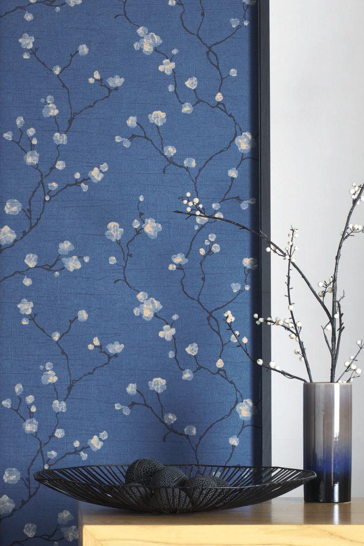 Tapete Saki Blau | Tapeten, Schlafzimmer tapete und Blumentapete