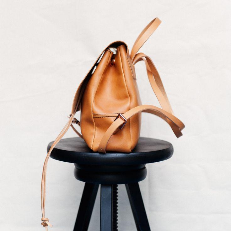 Alfie Douglas Alfie Two - Small Backpack / Tan