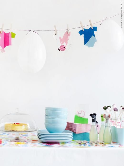 Clothesline & balloons