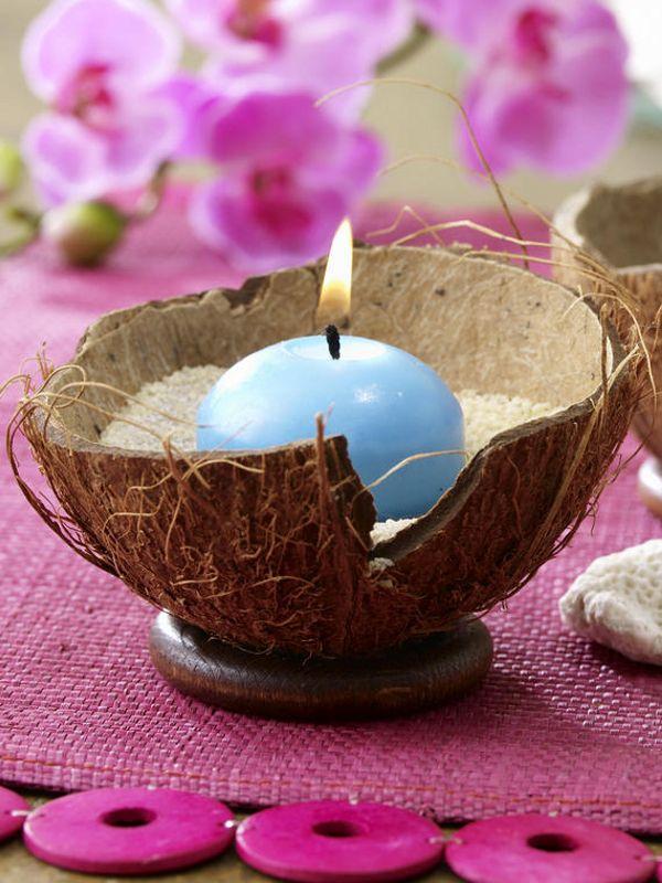 Kokosnusshälften (Dekoladen oder Lebensmittel)Dekosand oder Vogelsand (Dekoladen oder Drogerie)kleine Stumpenkerzen
