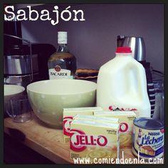 Sabajón, el eggnog colombiano. | Comiendo en LA – Uno de los sabores que me recuerdan las bellas fiestas decembrinas y mi país es el del Sabajón. Mis recuerdos se basan en mi niñez en Colombia y una casa llena de ricos olores: buñuelos, carnes en el horno y el sonido de la licuadora mientras mi mamá preparaba el Sabajón, el eggnog colombiano. Sabajón, el eggnog... #cele #celebracione #cocktail