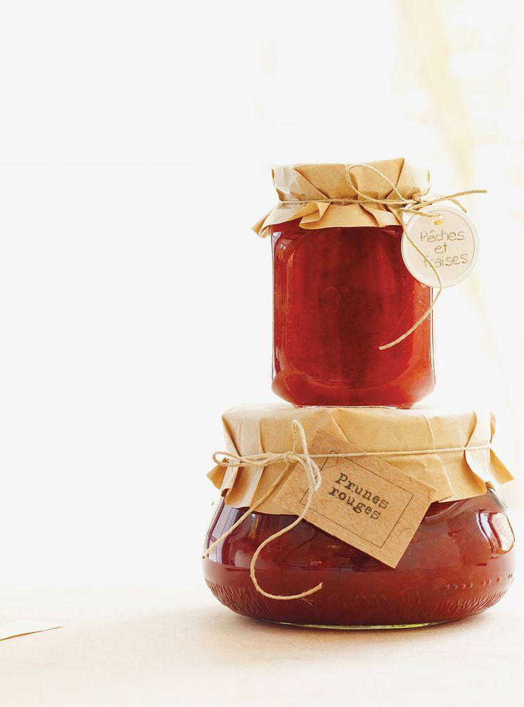 Recette de confiture de pêches et de fraises. Ingrédients de la recette: pêches, fraises, sucre, jus de citron. Rendement: environ 8 pots de 250 ml (1 tasse).