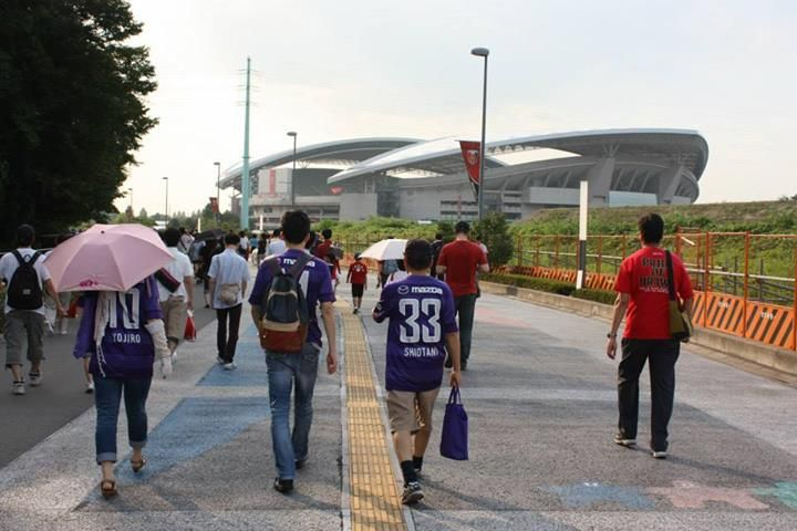 #LigaJepang - Foto #J1 #UrawaReds vs #SanfrecceHiroshima   Berikut ini beberapa foto sebelum pertandingan berlangsung antara tuan rumah Urawa Reds menghadapi Sanfrecce Hiroshima pada Pekan ke-19 J1 [3 Agustus 2013]. Pertandingan berlangsung di Stadion Saitama, Saitama.