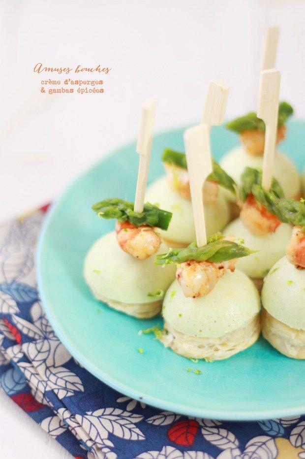 Amuses Bouches à la crème d'asperges vertes & aux gambas épicées