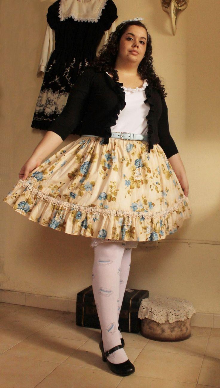 США размер 16. 2-й наряд от моего нового сообщения в блоге: Кардиган Zara / Top: Ralph Lauren / ремень: случайный местный магазин / Юбка: Miscy на Etsy / носки: Leg Avenue / Обувь: Payless