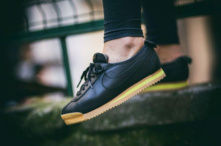 """Nike Wmns Cortez '72 """"Black"""" chmielna20.pl #nike #cortez #nikecortez #kicks #sneaker #sneakerholics #sneakerporn #sneakergame"""