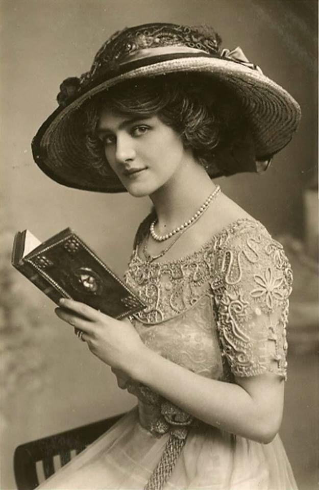 LILY ELSIE Ammirata per bellezza e fascino, fu una delle donne più fotografate dell'epoca edoardiana.