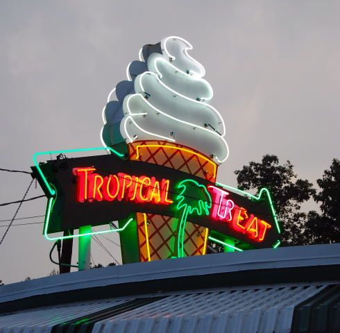 Tropical Treat, Hanover PAStomp Ground, Town Hanover Pa, Favorite Places, Memories Lane, Food 3, Tropical Treats, Sweets Summertime, Awesome Stuff