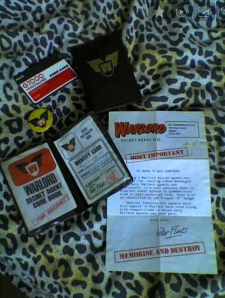 Warlord Secret Agent badge and wallet. Phillips G7000 videogame club card.