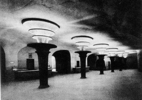 Expresionista, Interior de la obra de Poelzig.GranTeatroBerlin.5.jpg