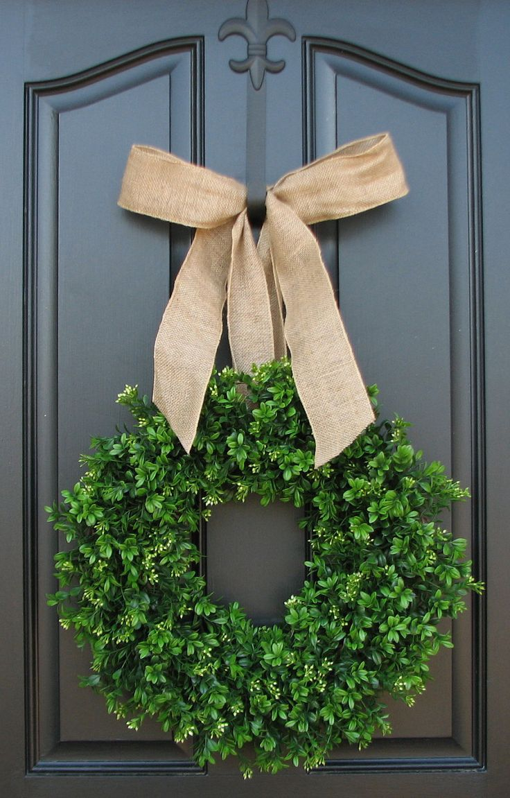 simple burlap bow and boxwood wreath