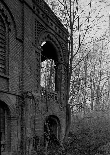 Wyndclyffe Mansion (Linden Grove), Rhinebeck New York DETAIL, WEST END OF SOUTH PORCH, VIEW FROM NORTHWEST