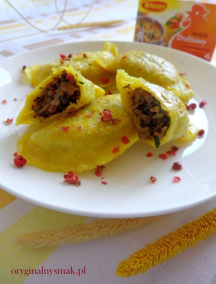 Smażone pierogi szafranowe z rydzami i czerwonym pieprzem | Oryginalny smak