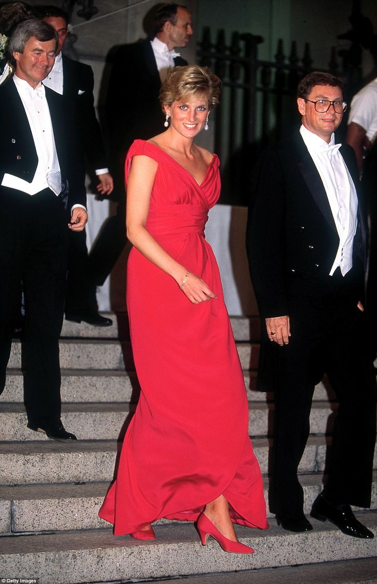 Diana leaving a gala dinner in Washington DC, wearing a red Victor Edelstein dress, October 1990, two years before she and Charles officially divorced