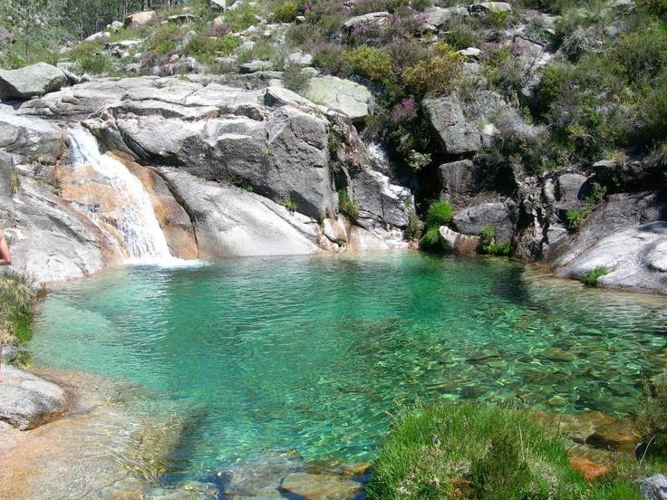 Lagoa do Poço Azul (Gerês).