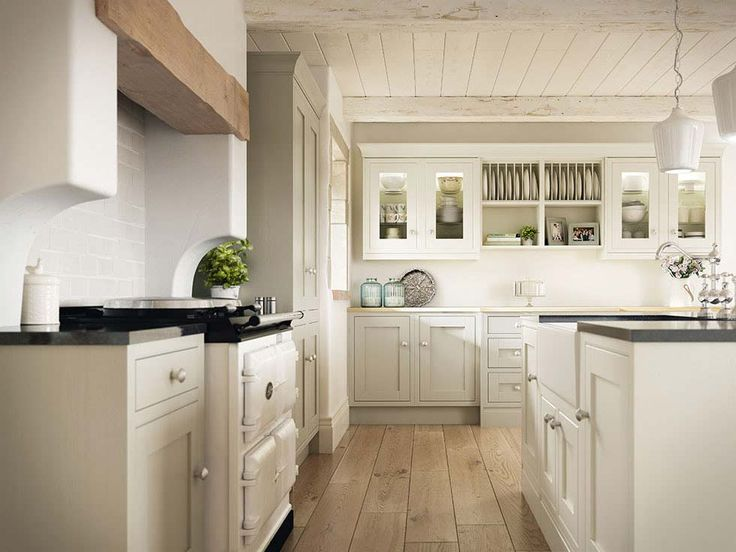 Famed for its cabinetmakers, Britain has a wealth of skilled artisans producing English kitchen cabinetry and furniture for period homes.