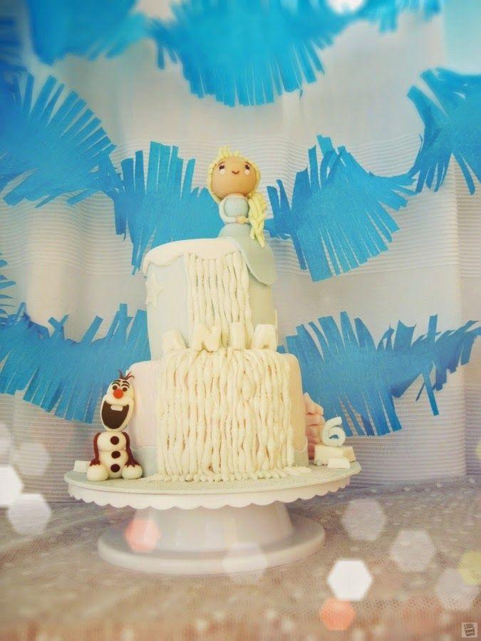 Tort urodzinowy: Wodospad, Elsa i Olaf w Krainie Lodu