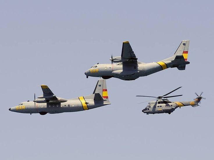 Super Puma, Fokker F-27 y CASA C-235 modificado VICMA. Conviven hasta el relevo del Fokker por éste último. Años 2012 - 2013