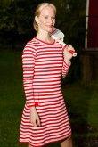 Søt, kledelig og rød kjole fra tulip&tatamo