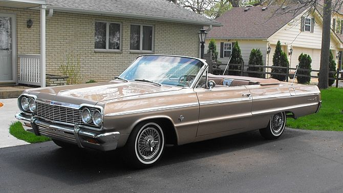 1964 Chevrolet Impala SS Convertible 409/340 HP, 4-Speed presented as lot S71 at Schaumburg, IL
