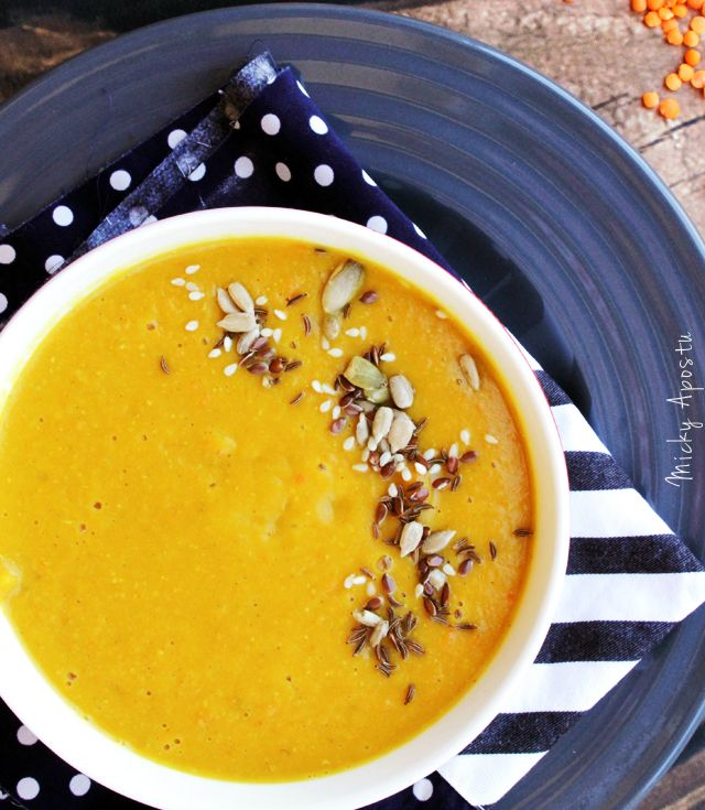 Red lentil soup with turmeric
