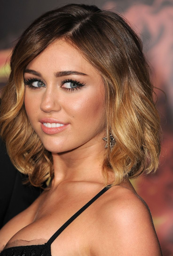 The ombre looks great on miley 39 s long bob hair for Long bob ombre