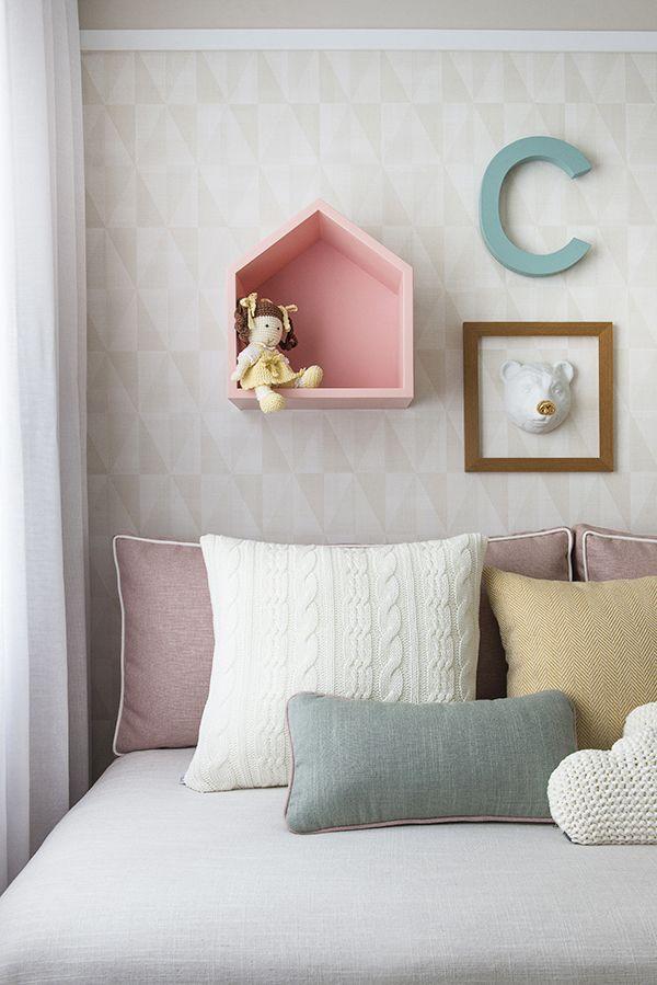 O escritório Now Arquitetura criou um lindo quarto de bebê com decoração neutra. Vem ver todos os detalhes e dicas inteligentes do projeto