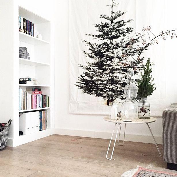 kerstboom-ophangen-aan-muur-kerstboom-bedrukt-op-doek-christmas-tree-on-wall.jpg (615×615)