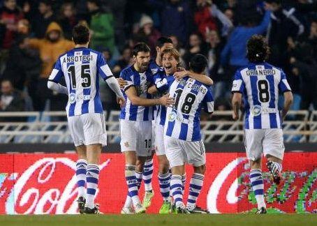 Real Sociedad Permalukan Barcelona Di Anoeta