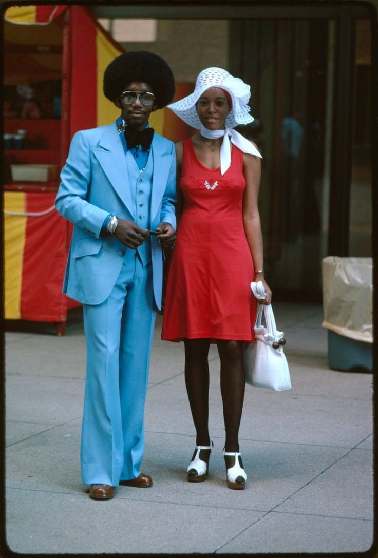 Una pareja en Michigan Avenue, Chicago en 1975.