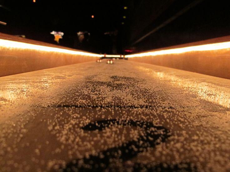 indoor shuffleboard table plans- rope lighting