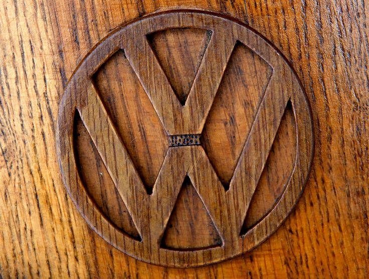 Пенсионер сделал полностью деревянный Фольксваген Жук из более чем 50 000 отдельных кусков дуба