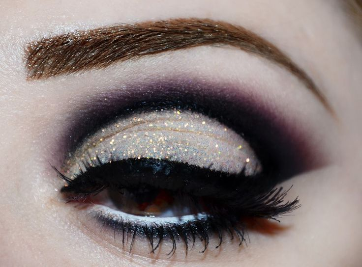 Dark purple cut crease with glitter #eyes #eye #makeup #halloween #dramatic