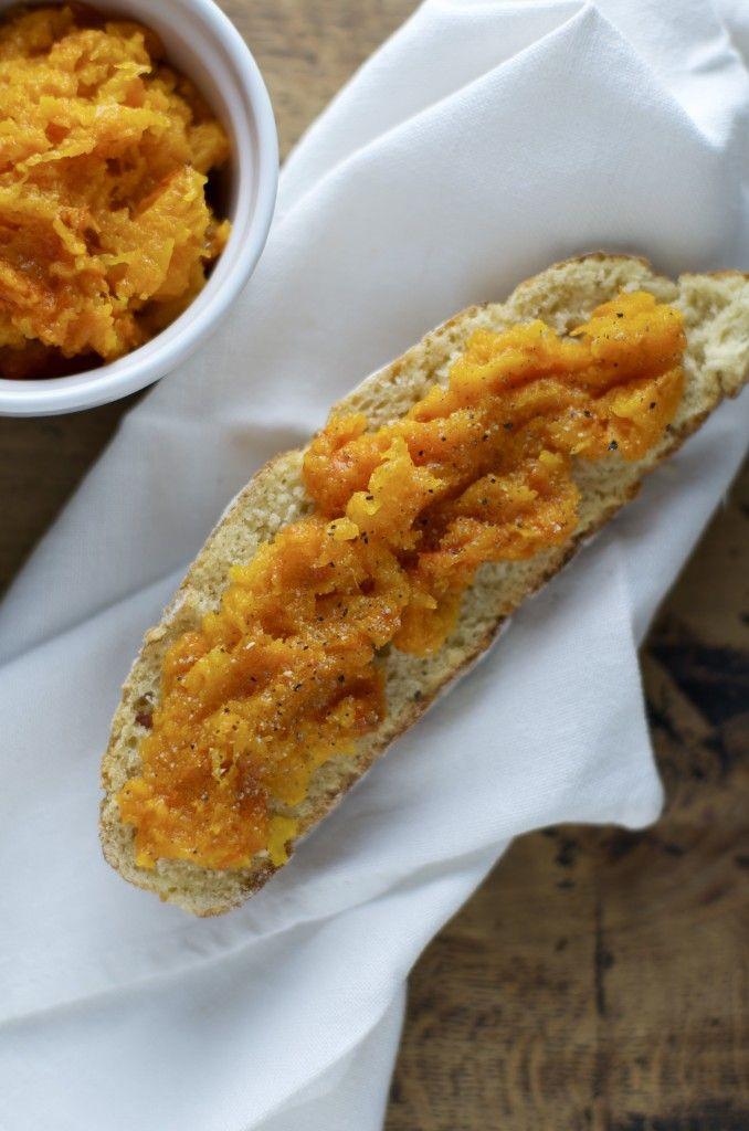 perfect vegan snack: pumpkin bruschetta - merenda vegana: bruschetta con zucca cotta al forno