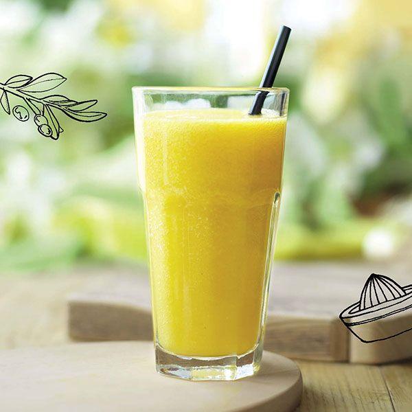 Superfood smoothie met mandarijn, mango en moerbeibessen
